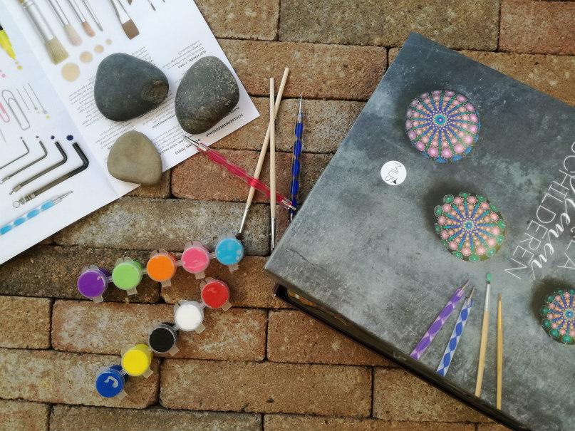 DIY happy stones