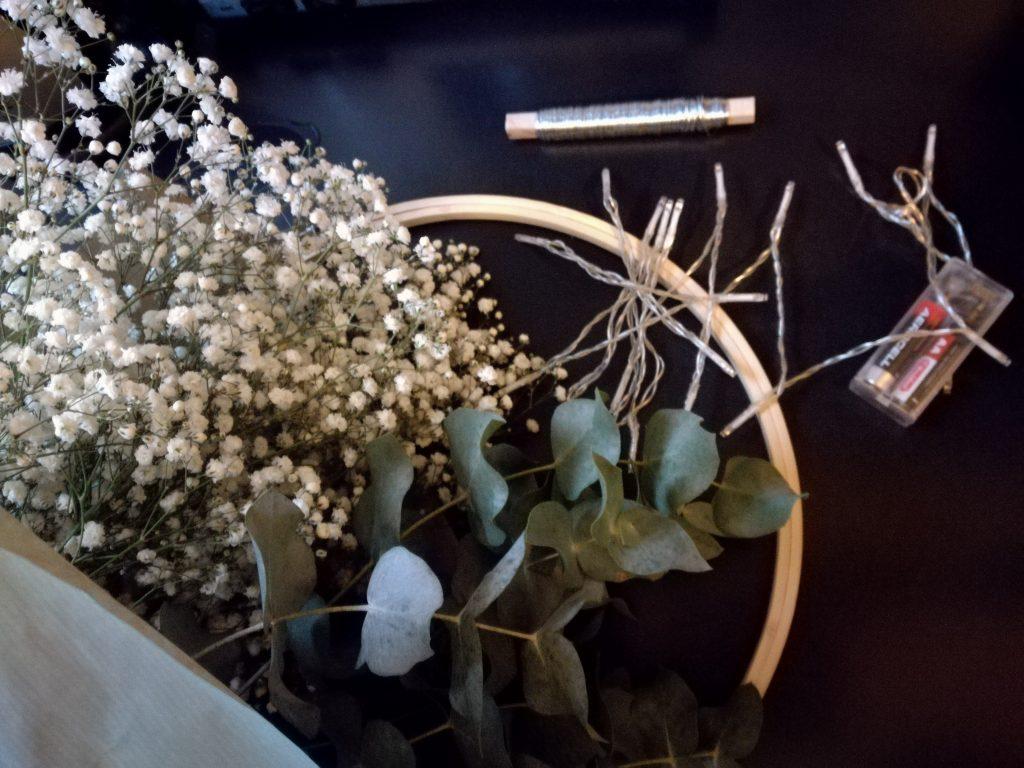 zelf een krans maken met eucalyptus en gipskruid